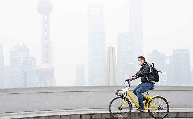 Man Plans To Tackle Beijing Smog With Hand-Held Fans