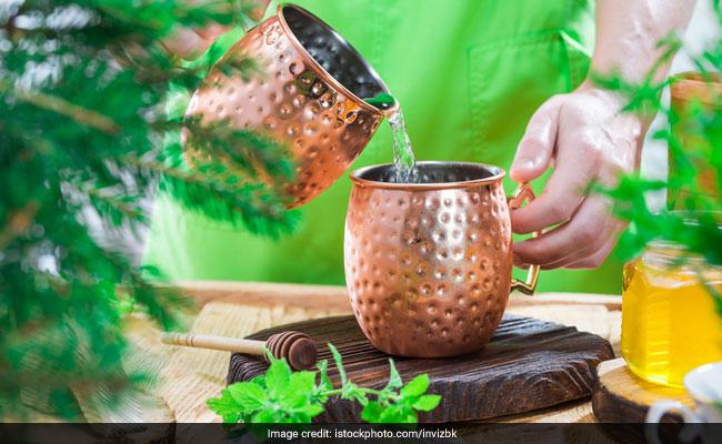 तांबे के बरतन में पानी पीने से मिलते हैं ये चमत्कारी फायदे