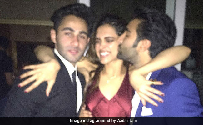 Deepika Padukone Trolled For Pics With Ranbir Kapoor's Cousins. What's Wrong, Internet?