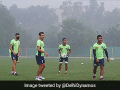 Indian Super League: Delhi Dynamos Train With Pollution Masks Due To Smog