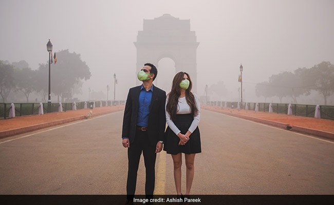 Love In The Time Of Masks: A Photographer's Take On Delhi's Toxic Air