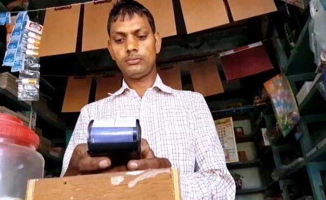 In Varanasi Village, Experiment In Cashless Transactions Nosedives