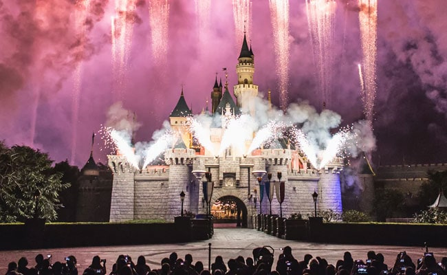 Cheers! Disneyland To Soon Sell Alcohol (Adults Only) For First Time