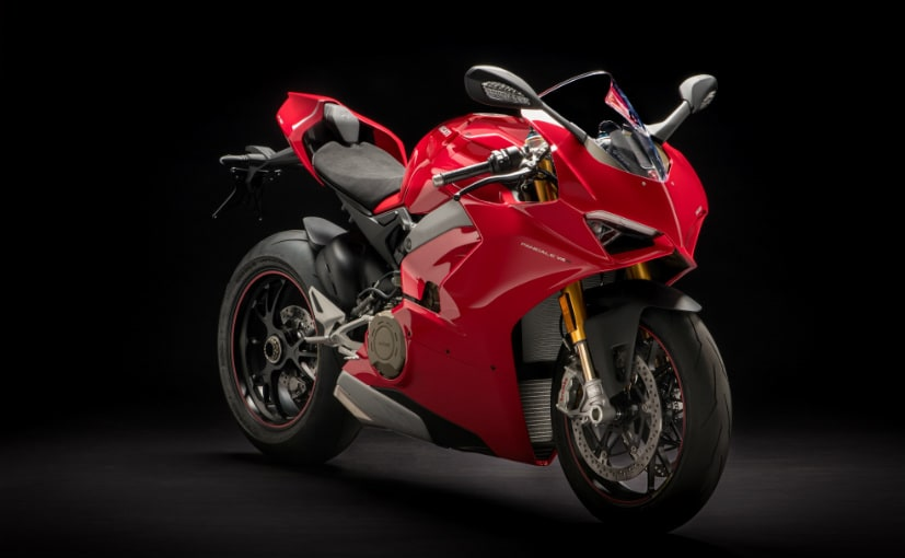 ducati panigale v4 breaks cover ndtv carandbike. Black Bedroom Furniture Sets. Home Design Ideas