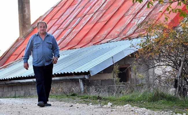 'Butcher Of Bosnia' Still A Hero At Home As Verdict Looms
