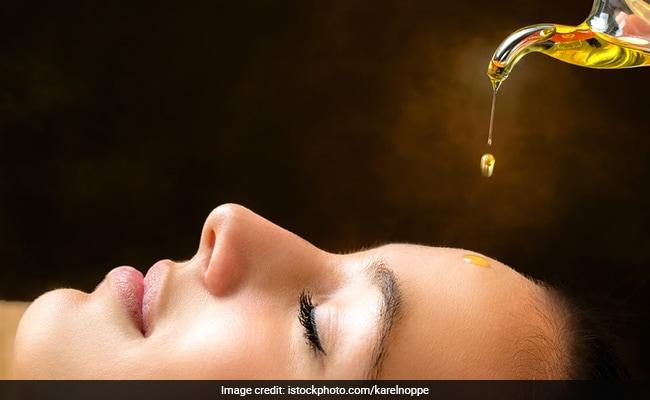 Skin Nourishment: দীপাবলির আলোর মতো উজ্জ্বল ত্বক চান? হদিশে রুজুতা দিয়েকর