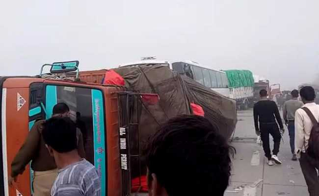 Blinding Smog Causes 24-Vehicle Pile-Up On Expressway Near Delhi