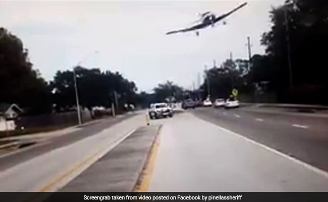 Dashcam footage captures small plane crash on Florida highway