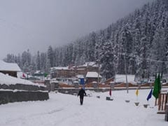 Snowfall In Jammu's High-Altitude Areas; Mughal Road Closed For Traffic
