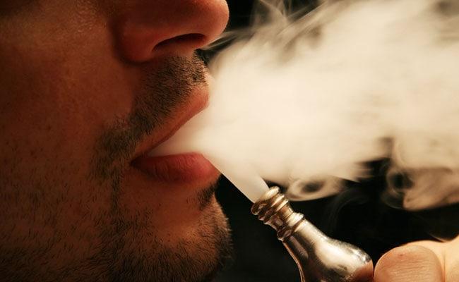 पाकिस्तान सरकार का नया फरमान, सिगरेट और शर्बत पर वसूला जाएगा 'पाप कर'