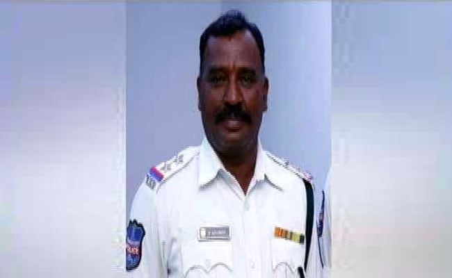 hyderabad traffic cop accident