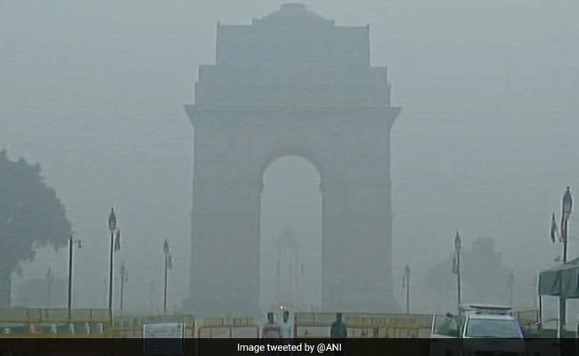 जहरीली धुंध आज भी छाई, दिल्ली को प्रदूषण से जल्द मुक्ति मिलने के आसार नहीं
