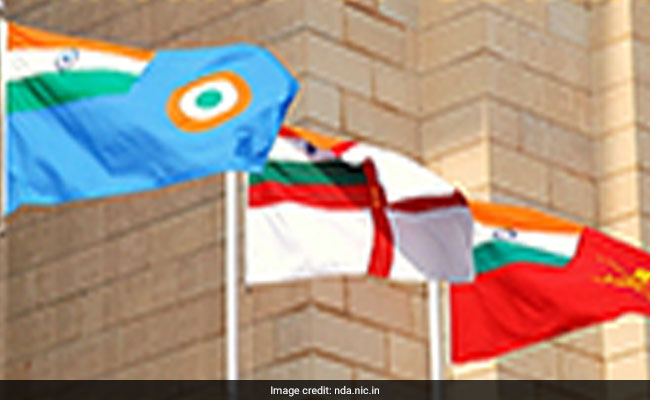 Defence Ministry Campaign To Encourage People To Wear Armed Forces Flag
