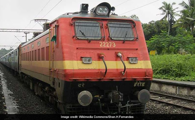 Over 90,000 Contract Labourers Working In Railways