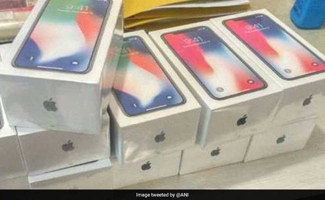 मुंबई : चोरी के 11 आईफोन एक्स बरामद, हॉन्गकॉन्ग से लौटा था शख्स