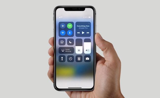 गिरते ही टूट सकता है iPhone X, खरीदने जा रहे हैं तो पहले ये खबर पढ़ लें