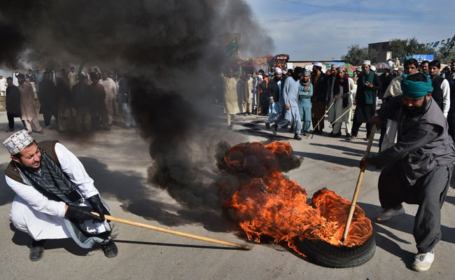 6 Dead, Around 200 Injured In Hardliners' Protest in Pak, Army Called In