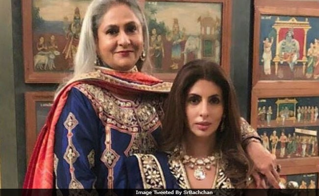 Amitabh Bachchan Delights With Pics Of Jaya Bachchan, Shweta And Abhishek
