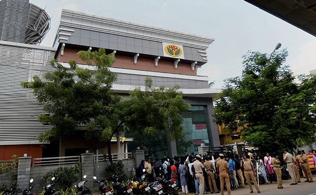 Rs 1,430 Crore In Undeclared Wealth Found In Raids On Sasikala, Jaya TV