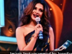Jennifer Winget Wins The Best Actress Award, Shares <i>Beyhadh</i> Excitement. See Pics