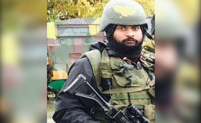 Before Falling To Terrorists' Bullets In Kashmir, Garud Commando Shot 3