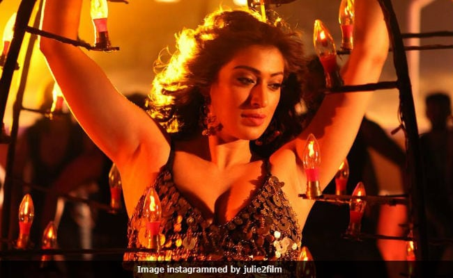Julie 2 Box Office Collection Day 1: Raai Laxmi's Film, Presented By Pahlaj Nihalani, Made...