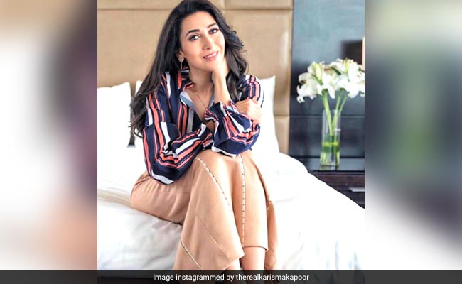 Lockdown Cooking: Karisma Kapoor Bakes A Cake For The Family; Do You Feel Like Baking One Too? (Recipe Inside)