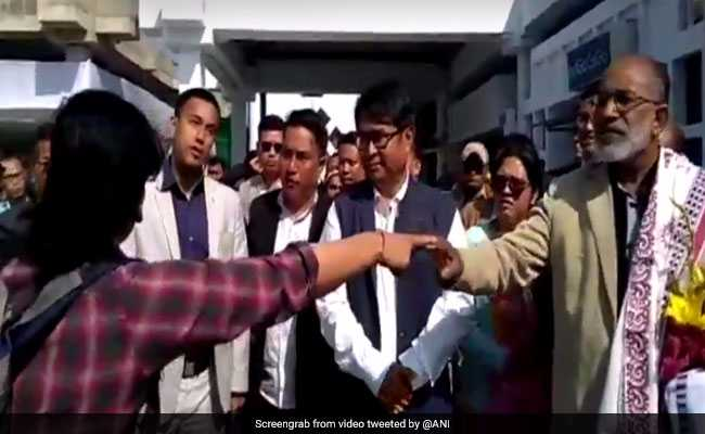 On Video, Minister Alphons Confronts Passenger's Anger Over Flight Delay