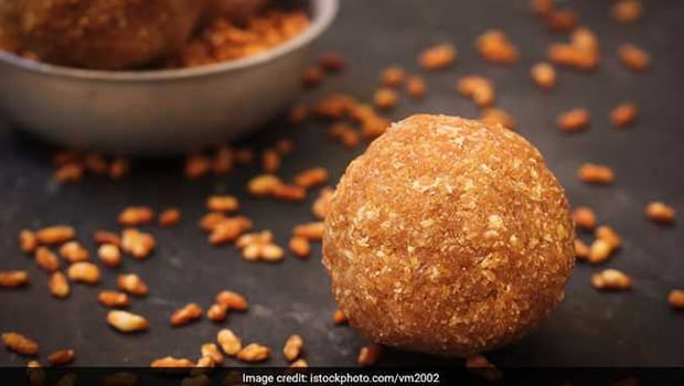 Peanut Laddoo For Janmashtami 2020: Prepare This Healthy Mithai With Just 2 Ingredients