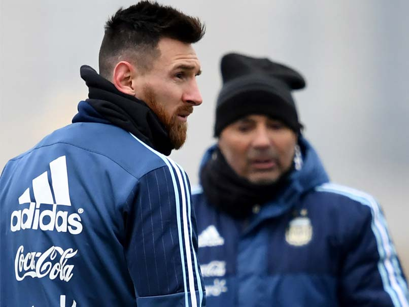 Jorge Sampaoli Calls On Lionel Messi