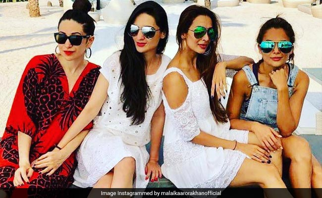 Malaika Arora And Friends Went To Alibaug For The Weekend