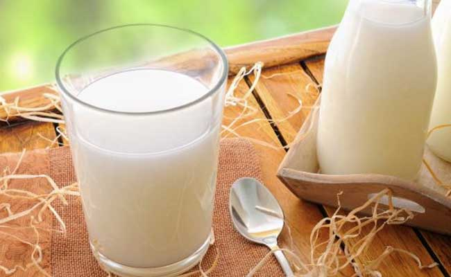 Benefits of drinking milk with ghee at night or desi cow ghee | Can Ghee be taken with milk | How ghee in milk is the super combo for health