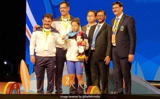 भारोत्तोलन: मीराबाई चानू ने विश्व चैम्पियनशिप में जीता स्वर्ण, दो दशक से अधिक समय में ऐसा करने वाली पहली भारतीय