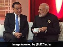 PM Modi, Chinese Premier Hold Brief Talks In Manila