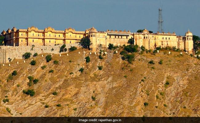 ऐसा है नाहरगढ़ किले का इतिहास, इस वजह से डर कर भाग जाते थे मजदूर