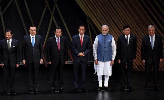 31st ASEAN Summit In Manila: Narendra Modi Meets PMs of Australia, Vietnam And Japan - Highlights