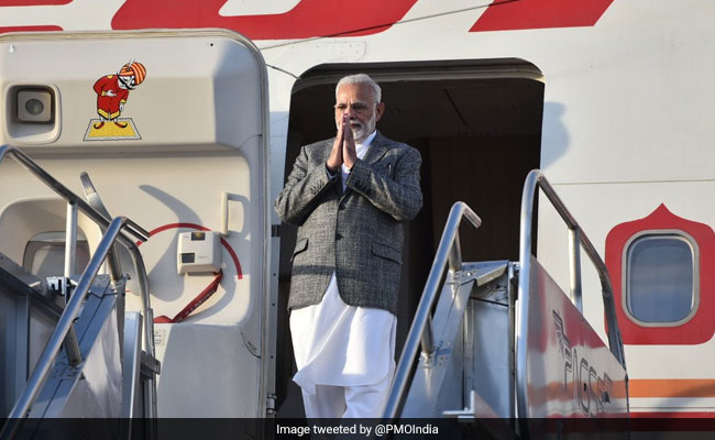 PM Modi Arrives In Manila To Attend ASEAN-India, East Asia Summits