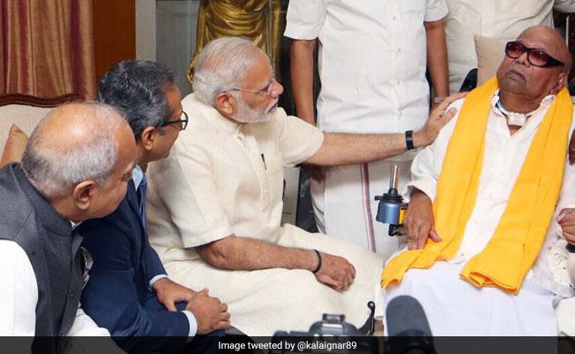 पीएम मोदी ने डीएमके प्रमुख एम करुणानिधि से की मुलाकात
