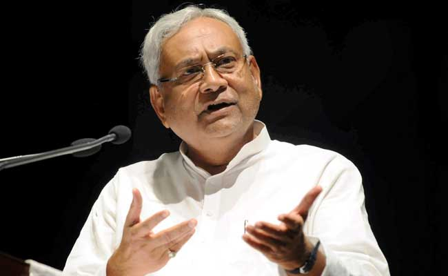 Nitish Kumar's Convoy Attacked In Bihar, 2 Security Men Injured