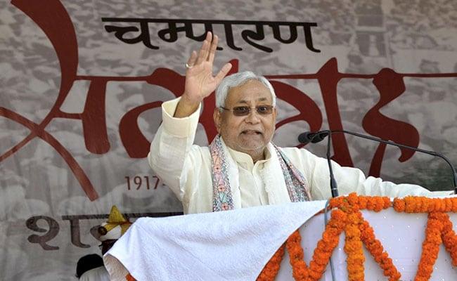 CM नीतीश ने मुखियाओं को दिया आश्वासन, बोले- नहीं किया जा रहा आपका अधिकार कम