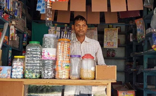 नोटबंदी के एक साल बाद वाराणसी के इस कैशलेस गांव में आज होती है सिर्फ नगद लेनदेन