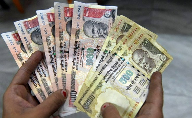 Rs 50 Lakh In Scrapped Currency Seized, Five Held