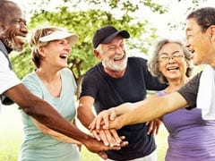 Warm Friendships in Old Age May Help Boost Memory; Try These Foods Too!