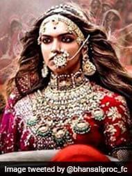 फिल्म 'पद्मावती' की रिलीज टली, निर्माताओं को यकीन - मिलेगी रिलीज की मंजूरी