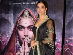 Deepika Padukone To Host Star-Studded Party To Celebrate <i>Padmavati</i>'s Trailer Success