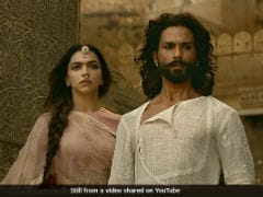 Padmavati Controversy: Ranveer Singh Breaks Silence, Says 200% With The Film And Director - Highlights