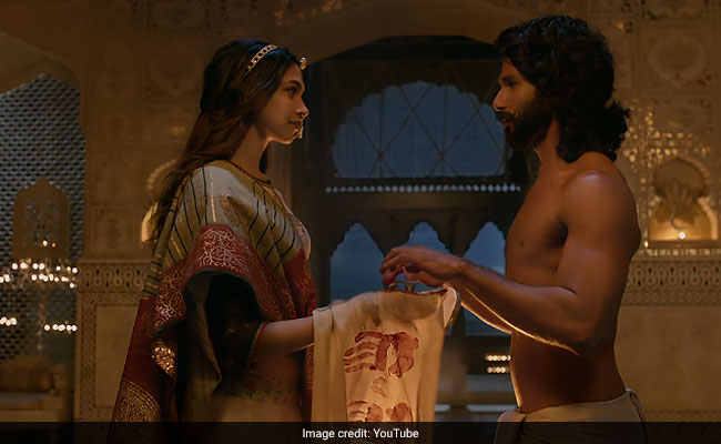 Lights Out For 15-Minutes At Studios Tomorrow Over 'Padmavati' Row