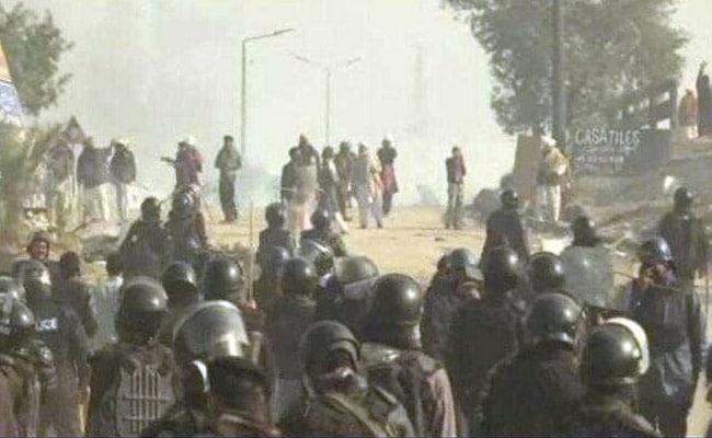 पाकिस्तान में मचा कोहराम, सभी प्राइवेट टीवी चैनलों के प्रसारण पर लगी रोक