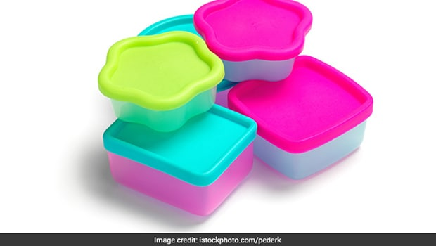 Is Storing Food In Plastic Containers Safe? 2 Things You Should Never Do.