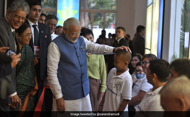 Modi visits Mahavir Philippines Foundation